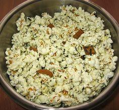 Make your own Hawaiian hurricane popcorn with Jiffy Pop recipe.  #snacks