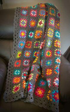Transcendent Crochet a Solid Granny Square Ideas. Inconceivable Crochet a Solid Granny Square Ideas. Granny Square Crochet Pattern, Crochet Squares, Crochet Granny, Crochet Blanket Patterns, Granny Squares, Granny Square Afghan, Afghan Crochet, Bunny Crochet, Knit Or Crochet