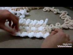 Alize Puffy battaniye kenarına saçak nasıl yapılır ? baştan sona anlatım- bebek battaniyesi - YouTube Finger Knitting, Arm Knitting, Knitting For Kids, Knitting Patterns, Sewing Patterns, Crochet Patterns, Chunky Blanket, Crochet For Beginners, Beginner Crochet