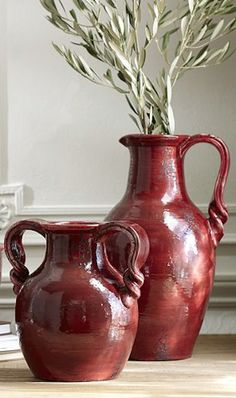 red ceramic vases http://rstyle.me/n/p3ts9r9te