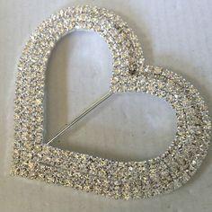 100 x 11mm Ivory Acrylic Heart Shape Card Embellishments Craft Wedding M139