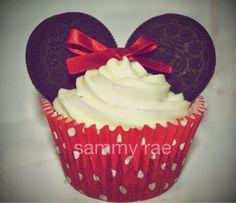 Minnie Mouse Oreo Cupcakes
