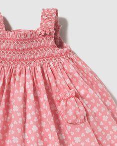 Vestido de bebé niña Dulces rosa con nido de abeja