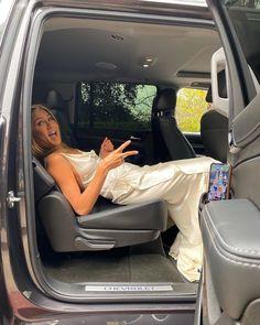 Jennifer Aniston reveals uncomfortable way she stopped SAG Awards dress getting ruined ahead of Brad Pitt reunion Jennifer Aninston, Estilo Jennifer Aniston, Jennifer Aniston Style, Rachel Green, Gwyneth Paltrow, Oprah Winfrey, Keanu Reeves, Alexa Chung, Brad Pitt