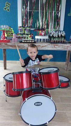 Festa Baby Rock, bateria infantil, mesa do bolo, tema rock