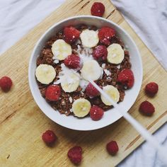 "1,781 Likes, 40 Comments - claire michelle | vegan ❂ (@plantifulsoul) on Instagram: ""because some days cereal is really all I want in life  cocoa rice puffs + sliced bananas +…"""