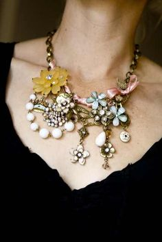 This is the cutest Vintage Inspired necklace I have ever seen. And it is very affordable.