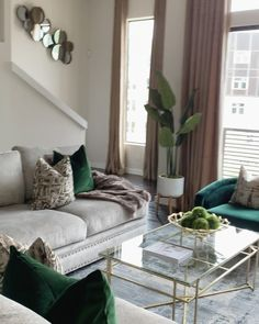 Living Room Accents, Living Room Green, Living Room Interior, Living Room Decor Green Couch, Living Room Colors, Noora Style, Living Room Remodel, Living Room Inspiration, Decoration