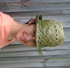 Harakeke Potae / Flax Hats | Flaxweaving's Blog Flax Weaving, Weaving Art, Basket Weaving, Hand Weaving, Maori Designs, Kiwiana, All Things New, Birch Bark, Weaving Techniques