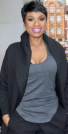 simply the hottest short do, at present… Halle Berry, Nia Long notwithstanding...