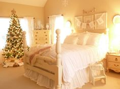 How many of you have decorated you're bedroom for Christmas? #bedroom #christmas #decor