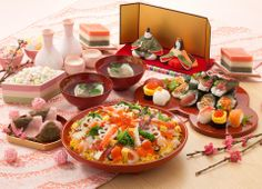 In Japanese cuisine tradition, some foods are only to be enjoyed in specific events or traditions. Find what Japanese people love to eat during the holidays. Japanese Party, Japanese Food, Hina Matsuri, Japanese Festival, Celebration Around The World, Food Cravings, Drinking Tea, Afternoon Tea, Asian Recipes