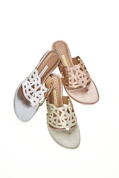 Recortes - Rasteirinhas - Fashion - Trend - Ref. 16-18509 Ugly Shoes, Sock Shoes, Shoe Boots, Caged Sandals, Flat Sandals, Shoes Sandals, High Heels Stilettos, Strappy Heels, Plastic Shoes