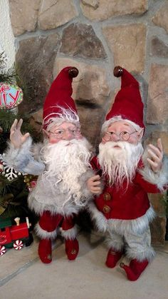 "Set 2 NWT 20"" Santas Elves ELF Christmas Display Prop Figure Doll Red Gray Suits #Sullivans"