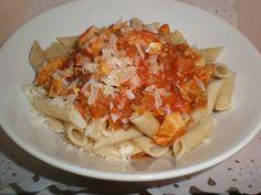 Tres pastas integrales con pollo a la brasa Comensales: 4 Tiempo de preparación: 20' Ingredientes 240 gramos de tres variedades...