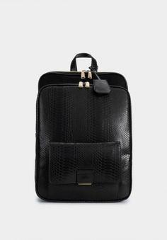 15 mochilas com estilo para o regresso às aulas Fast Fashion, Zara, Faux Leather Backpack, Striped Blazer, Knit Jacket, Color Negra, Crocs, Best Sellers, Purses And Bags