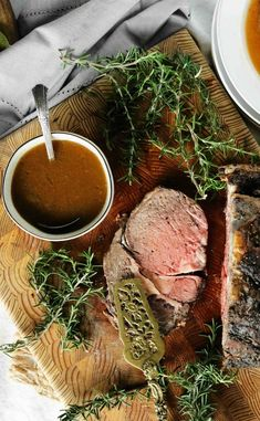 Prime Rib Au Jus A seriously easy Au Jus recipe perfect for prime rib! Made with or without beef drippings in less than 10 minutes! Prime Rib Sauce, Prime Rib Au Jus, Sides For Prime Rib, Prime Rib Marinade, Prime Rib Rub, Boneless Prime Rib Recipe, Rib Roast Recipe, Roast Beef, Roast Brisket