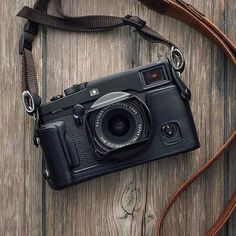 What to Look for in a DSLR Camera - Photography Camera Crafts, Camera Deals, Best Digital Camera, Classic Camera, Best Cameras For Beginners, Photography Camera, Vintage Cameras, Photography Equipment, Camera Accessories