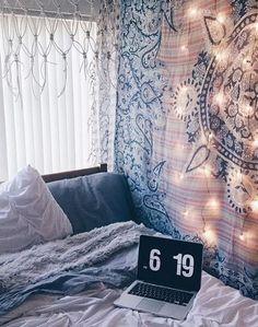Tapestry dorm room dorm room tapestry blue bedroom with blue medallion tapestry dorm wall tapestry target tapestry dorm room ideas Dorm Colors, Urban Bedroom, Blue Bedroom, Master Bedroom, Country Bedroom Design, Tapestry Bedroom, Tapestry Wall, Room Goals, Bedroom Styles