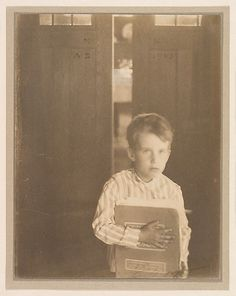 Clarence H. White, Boy with Camera Work, #Camera Work