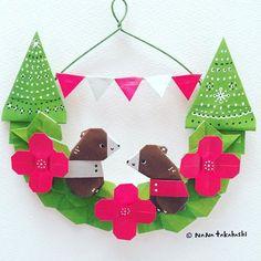 クリスマスカラーで作ってみた。 Christmas color. ・ #origami #wreath #papercraft #bear #tree #garland #christmascolors #nanatakahashi #おりがみ #くま #ツリー #リース #ペーパークラフト #ガーランド #クリスマス #たかはしなな