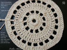 P.A.P (passo a passo) , do tapete; gente, faço parte de um grupo. E este tapete surgiu lá, por uma colega. A Cecília Rocha. Abrindo um parê... Crochet Placemats, Crochet Doilies, Filet Crochet, Knit Crochet, Crochet Designs, Bead Crafts, Diy Crafts, Diagram Chart, Embroidery