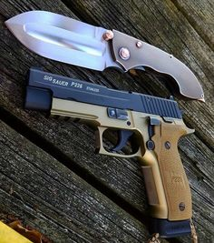Sig combat and the Gladius from Phil Harvey. 2 SHTF pieces for sure. Sig Sauer P226, Edc Essentials, Phil Harvey, Go Bags, Handmade Knives, Shtf, Sunday Funday, Self Defense, Axe