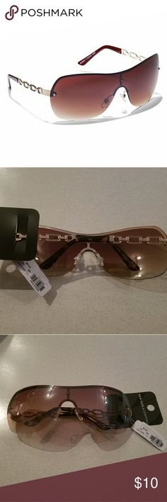 NWT New York and Company Glasses LINK-ACCENT SHIELD SUNGLASSES, Rose gold. New York & Company Accessories Sunglasses