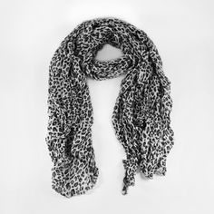 Grand foulard léopard marron   Foulards   écharpes   Pinterest ... d08155297c0