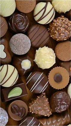 Chocolate World, Chocolate Dreams, Chocolate Sweets, I Love Chocolate, Chocolate Heaven, Chocolate Ice Cream, Just Desserts, Delicious Desserts, Yummy Food
