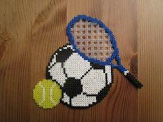Pixel Art - Perler : Thème sport : football + tennis.  Temps consacré : 4 heures.  Taille (cm) : l=15 , h=13