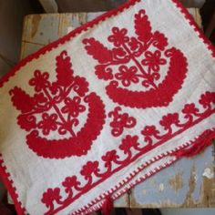 Vintage Transylvanian cushion cover from Parna, UK  (Írásos) These designs are new to me. Beautiful!