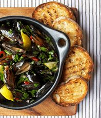 Pot-Roasted Mussels - Mussels always make me think of my first date with Kate.  These sound delicious. Entree Recipes, Chef Recipes, Shrimp Recipes, Mussel Recipes, Garlic Aioli Recipe, Coconut Drinks, My First Date, First Dates, Grilled Bread