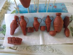 Vasijas Mamá Miniature Rooms, Miniature Houses, Terracota, Christmas Nativity, Clay Creations, Handmade Crafts, Projects To Try, Scale, Clay Pots