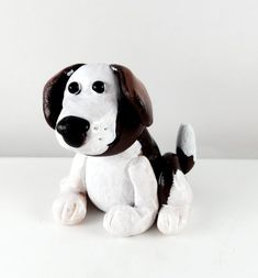 Clay dog sculpture figurine Polymer Clay Sculptures, Dog Sculpture, Sculpting, My Design, Snoopy, Teddy Bear, Toys, Animals, Art