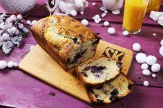 A tökéletes édes, ráérős karácsonyi reggeli, amire teljesen rákattantunk. Pillanatok alatt össze lehet dobni ezt az áfonyával telepakolt tésztát és simán eláll egy pár napig, persze csak ha nem faljátok fel az összeset rögtön.Áfonyás muffinkenyérHozzávalók (21X11 formához):2 marék…
