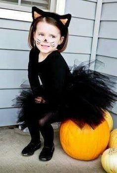 Cat Halloween costume #catsdiycostume