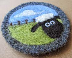 Fleece Crafts, Felted Wool Crafts, Felt Crafts, Felted Soap, Wet Felting, Needle Felting, Felt Pictures, Crafts With Pictures, Needle Felted Animals