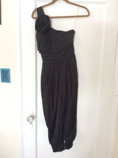 Forever 21 jumper.  (This is pants, not a dress) Size Small. Worn once, excellent condition.  $20 shipped in U.S.