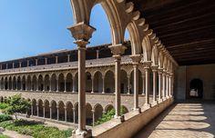 marcante arquitetura gótica do Mosteiro de Pedralbes, em Barcelona #Barcelona #momondo
