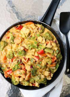Kreolsk kyllingpanne - LINDASTUHAUG Good Healthy Recipes, Great Recipes, Food Porn, Comfort Food, Recipes From Heaven, Food Inspiration, Chicken Recipes, Clean Eating, Good Food
