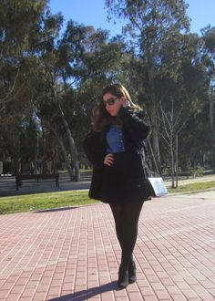 LOOK FURRY COAT (link in bio^) #look #outfit #mood #furry #flufly #EsenciaTrendy #Zara #spanishblogger