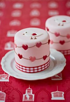 Bird & Hearts Mini Cakes