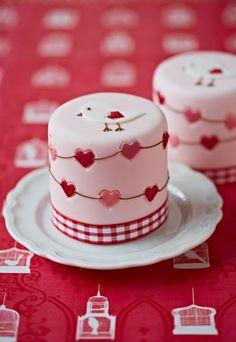 Bird & Hearts Mini Cakes