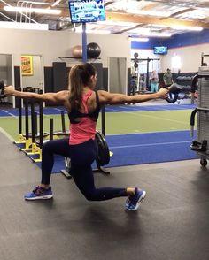 """10.3 χιλ. """"Μου αρέσει!"""", 257 σχόλια - Alexia Clark (@alexia_clark) στο Instagram: """"Kettlebells and lots of core! 1. 10 each side 2. 15 each side 3. 10 each side 4. 10 each leg…"""""""