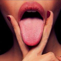 "Gefällt 69 Mal, 1 Kommentare - Kinky Addiction (@kinkyaddiction) auf Instagram: ""Working hard !😋 #tongue #sexy #lips #lick #girl #oral #goodboy #oralsex #lickmypussy"""