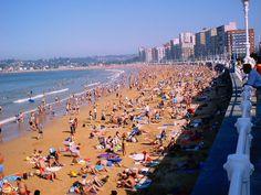 Playa San Lorenzo - Gijón (Spain)