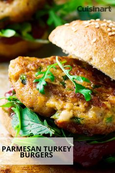 Having a Memorial Day celebration? This recipe for parmesan turkey burgers are perfect for a entertaining! Having a Memorial Day celebration? This recipe for parmesan turkey burgers are perfect for a entertaining! Ground Turkey Burgers, Grilled Turkey Burgers, Turkey Burger Recipes, Ground Turkey Recipes, Beef Burgers, Veggie Burgers, Hot Dog Recipes, Meat Recipes, Chicken Recipes