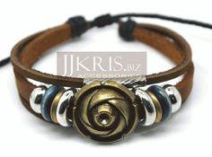 Pulsera de cuero con beads y detalles en bronce de JJKris Accessories