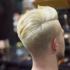Popular Men's Hairstyles 2017 http://www.menshairstyletrends.com/popular-mens-hairstyles-2017/ #menshairstyles #menshaircuts #hairstylesformen #popularhairstylesformen #popularmenshairstyles #shorthairstyles #haircuts  #menshairstyles2017